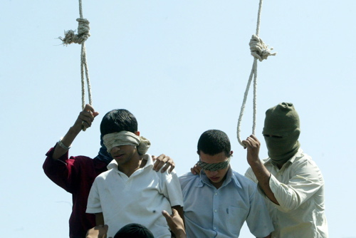 Mixed reports on Iran teen hangings - Blade_d0066343_1915939.jpg
