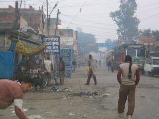 インドでどうでしょう(1)  国境~バラナシ_d0066442_951879.jpg