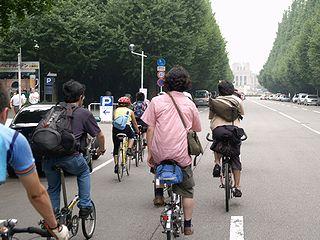 自転車パトロール隊_c0017199_9345861.jpg