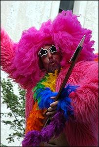 Northern Ireland\'s gays march on - BBC_d0066343_9484320.jpg