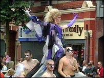 Northern Ireland\'s gays march on - BBC_d0066343_9532036.jpg