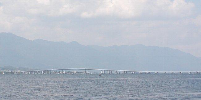 琵琶湖大橋_c0057390_07120.jpg