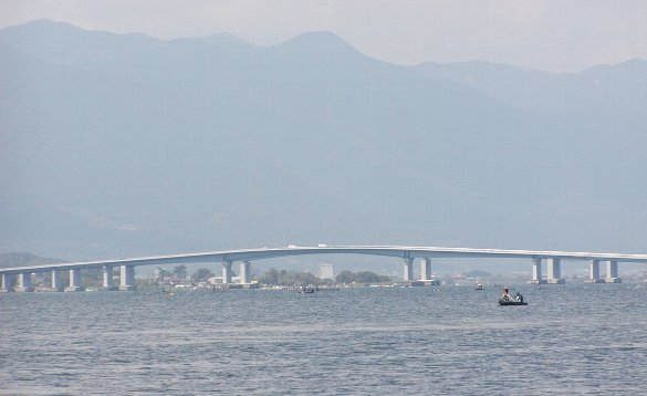 琵琶湖大橋_c0057390_072233.jpg
