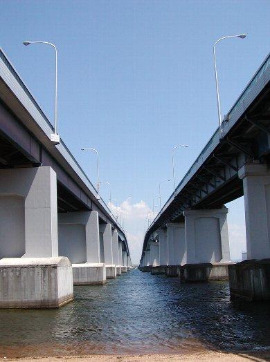 琵琶湖大橋_c0057390_082819.jpg