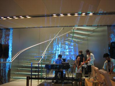Apple Store Shibuya に最初の一歩を_b0046388_15174868.jpg