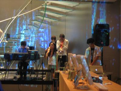 Apple Store Shibuya に最初の一歩を_b0046388_15181770.jpg