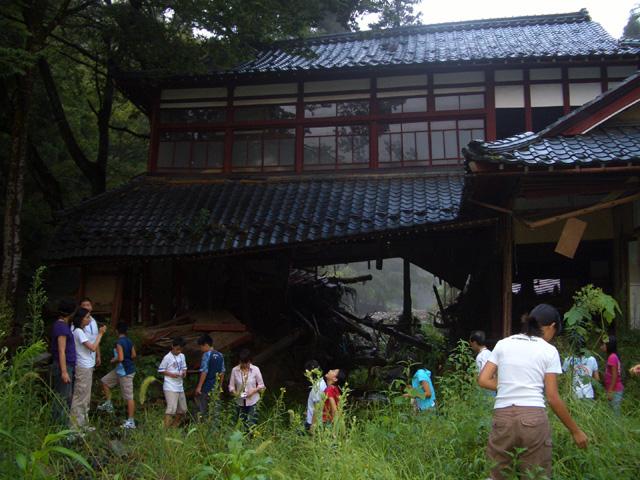 夏休み子ども流域ワークショップ(福井)_e0008880_16345891.jpg