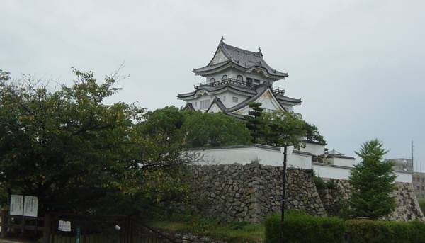 岸和田・五風荘とその周辺(お城、神社など) 林英世ひとり語り_c0009815_22252481.jpg