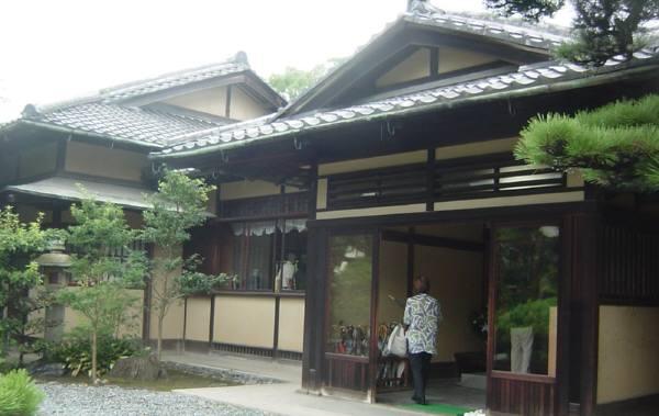 岸和田・五風荘とその周辺(お城、神社など) 林英世ひとり語り_c0009815_2226564.jpg