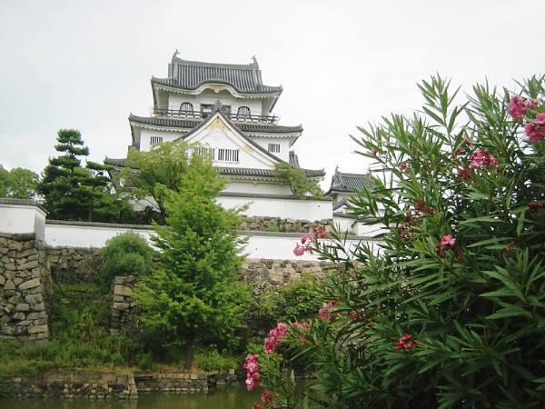岸和田・五風荘とその周辺(お城、神社など) 林英世ひとり語り_c0009815_22284792.jpg