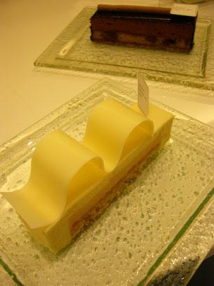 サダハル アオキのケーキ達_b0048834_6411111.jpg