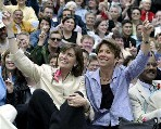 US: Gay-marriage challenge seen defeated in Massachusetts_d0066343_16212970.jpg