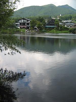 残夏の湯布院・・・金鱗湖_c0001578_2232278.jpg