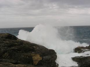 9月6日今日も海は大荒れ_c0070933_19533254.jpg