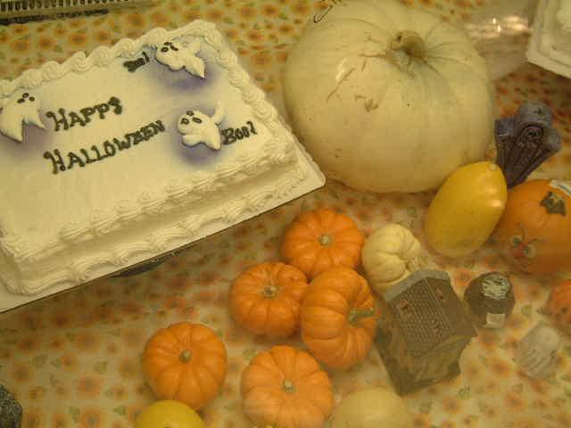 Halloween cake! _e0042839_16512433.jpg