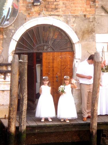 子供たち・・・ ヴェネツィアにて_c0024345_18422916.jpg