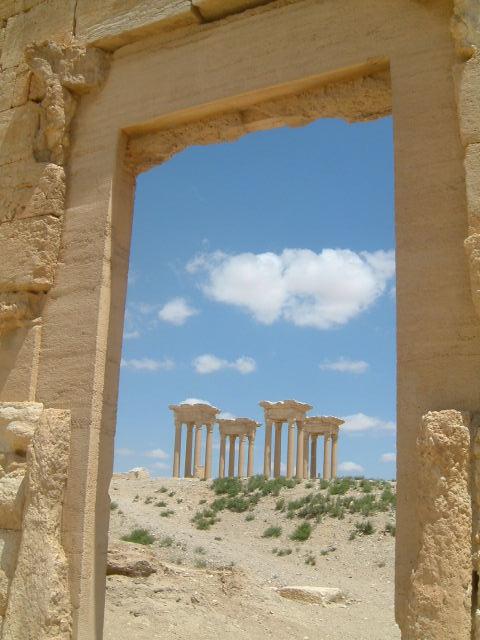 パルミラ遺跡 Palmyra (7)_c0011649_156151.jpg
