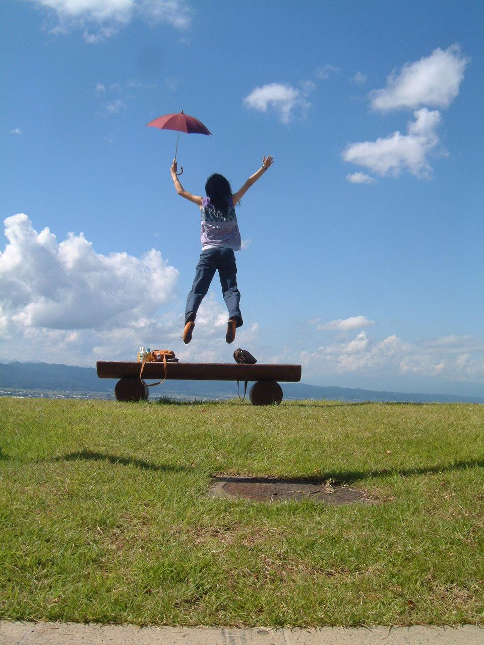 「親方ぁぁぁ!空から女の子が!!」_e0017332_124217.jpg