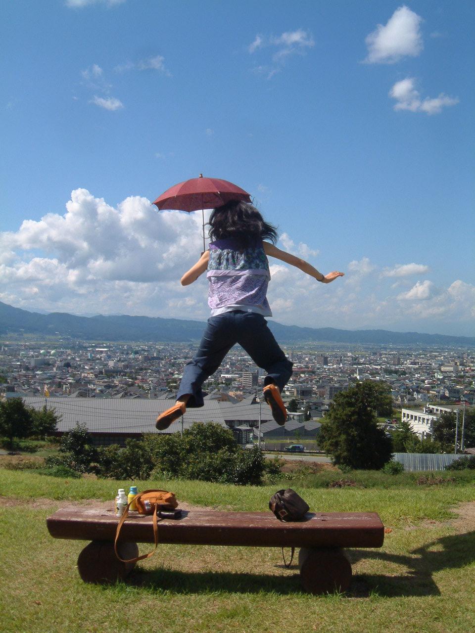 「親方ぁぁぁ!空から女の子が!!」_e0017332_12423369.jpg