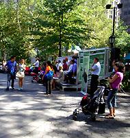公園で見るUSオープン・テニス_b0007805_844432.jpg