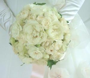 ちょっと贅沢なバラたちのブーケ_c0055343_1151393.jpg