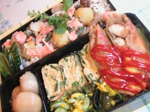 お弁当は昨日の名残弁当で・・・・すみませ〜ん♪_b0033423_15345743.jpg
