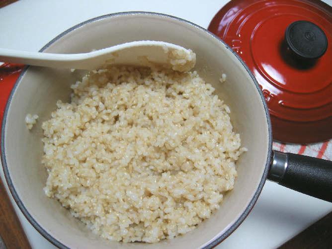 NEW「ル・クルーゼ」の片手鍋で玄米ご飯♪_b0065587_17533261.jpg