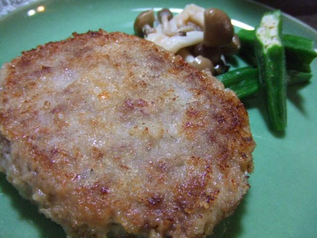 豚ひき肉のカツレツのチーズ包み _e0012815_2203179.jpg