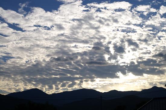朝の雲_c0054876_6193996.jpg