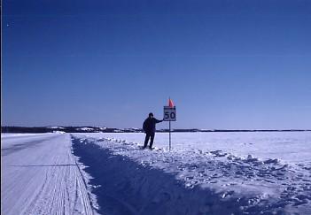 凍てつく氷の世界へ_c0011649_2193550.jpg