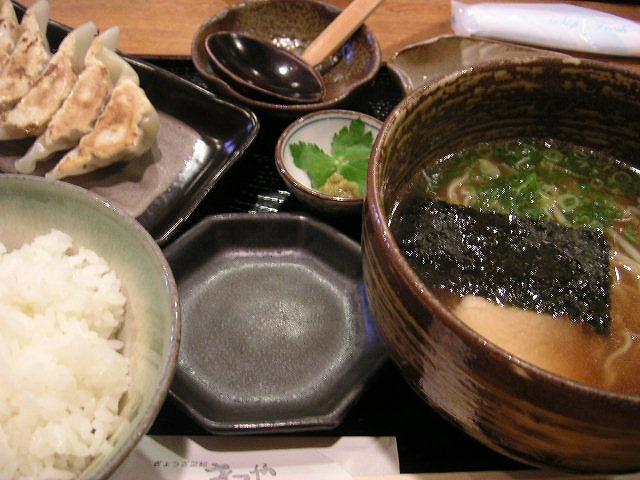 【北区】ぎょうざ菜館 きてや_d0068879_1551428.jpg