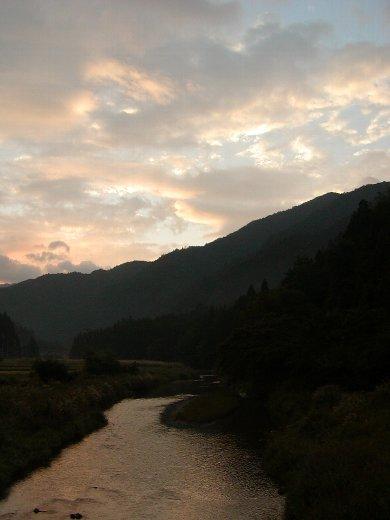 美山の朝焼け_c0057390_15442985.jpg
