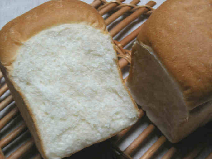 ベーグルがあってもパンは焼く。_b0065587_17285799.jpg