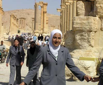 シリア1 パルメラの神殿1_e0048413_2134318.jpg
