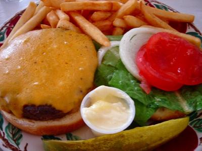 hamburger & hot tea*  _e0042839_1282373.jpg