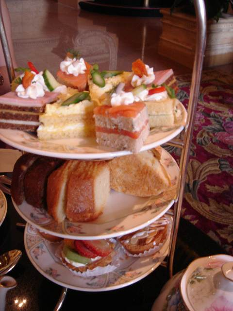 afternoon tea*_e0042839_17253424.jpg