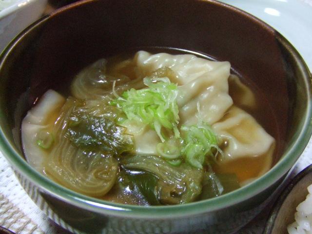 桃ちゃん餃子の中華風スープ仕立て_e0012815_2139127.jpg