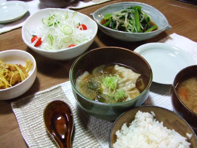 桃ちゃん餃子の中華風スープ仕立て_e0012815_21532727.jpg