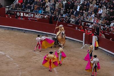闘牛 (Madrid)_e0076932_7171084.jpg