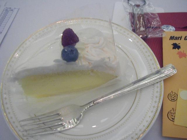 ♪シルバーのフォークで頂くケーキ!_d0004210_9311870.jpg