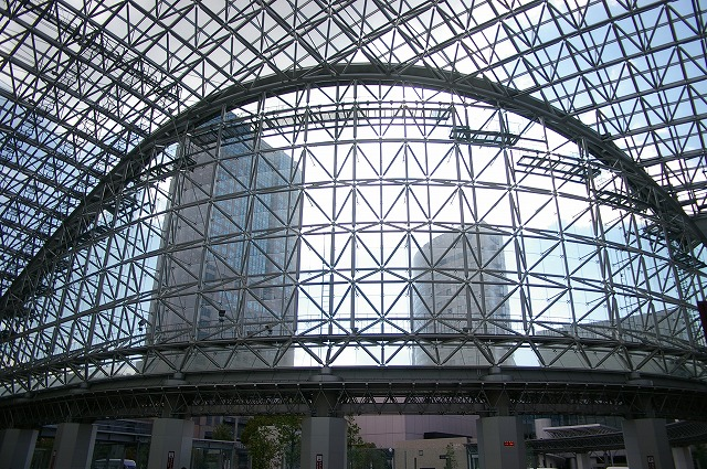 金沢駅のもてなしドーム_d0043136_16224089.jpg