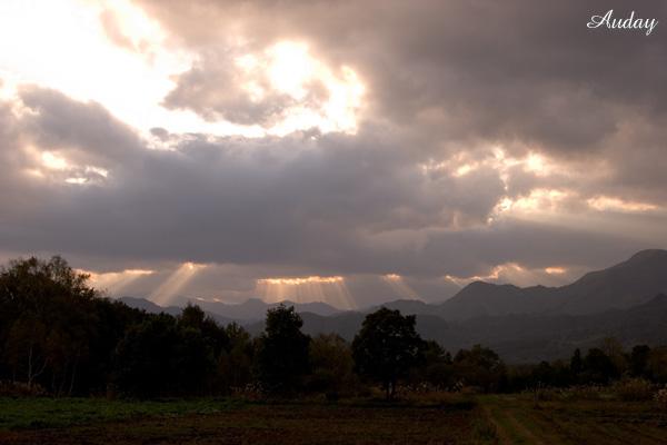 雲の切れ目から・・・_c0048494_15485358.jpg