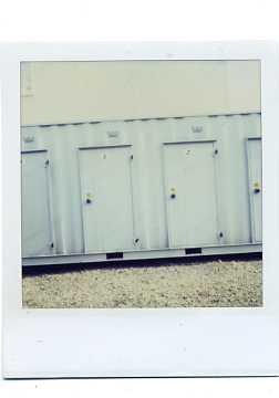 ブルーグレイのドア_e0059605_22452339.jpg