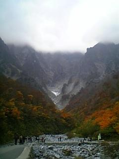 一ノ倉沢と夕日に映える山紅葉 (奥利根紀行 ⑦)_e0016828_1532340.jpg
