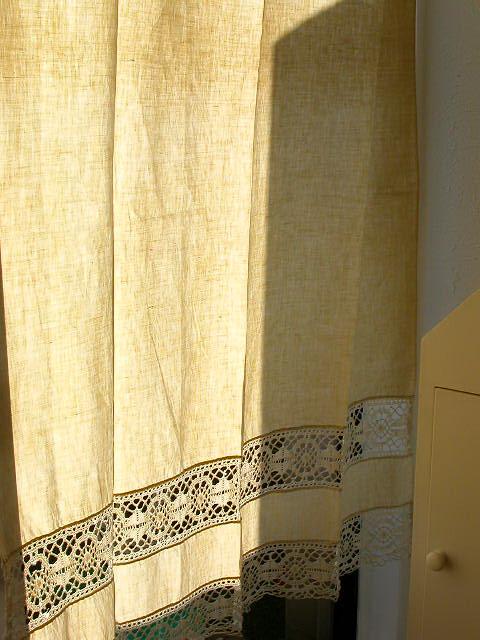アンティークのカーテン越しに、_c0055551_5572068.jpg
