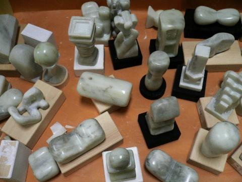中学校3年生・彫刻「命の形」_b0068572_1124989.jpg