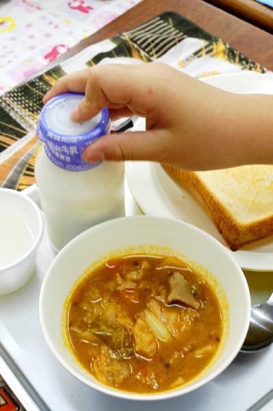 学校給食_a0003650_10203715.jpg