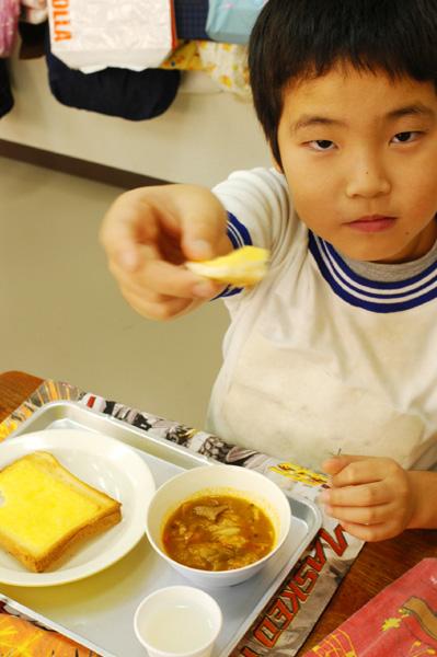 学校給食_a0003650_10212590.jpg