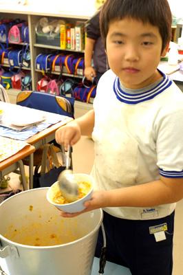 学校給食_a0003650_10214323.jpg