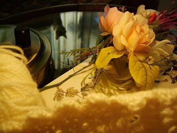 編み物とバラ_f0007106_19175275.jpg